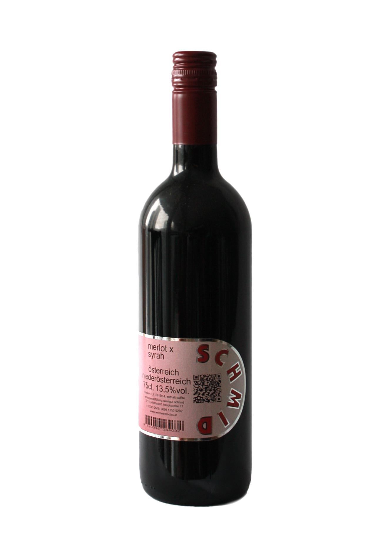 Rotweinflasche Bordeaux mit rotem Etikett